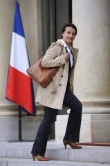 ministre-du-logement-cecile-duflot-a-fait-sensation-en-arrivant-en-jean-pour-son-premier-conseil-des-ministres-a-l-elysee-le-17-mai-2012-a-paris.jpg