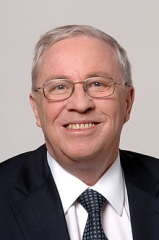 220px-Christoph_Blocher_(Bundesrat,_2004).jpg